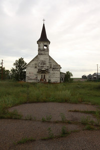 Old church on the way to Mills