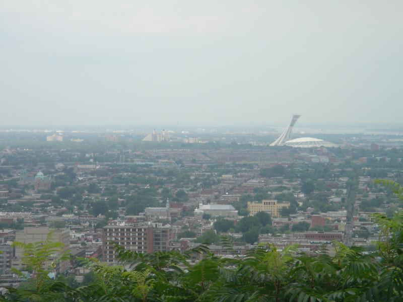Het Olymisch stadion gezien vanaf de Mont Royal