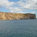 Beroemde rots bij Perce, met schaduw