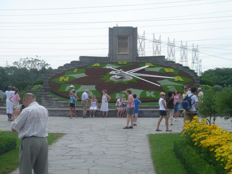 Klok die we zagen onderweg naar de Niagara watervallen