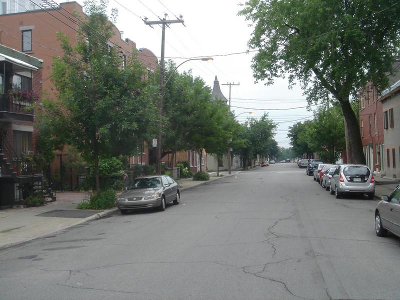 Rustig straatje Rue Logan waar onze B&B was