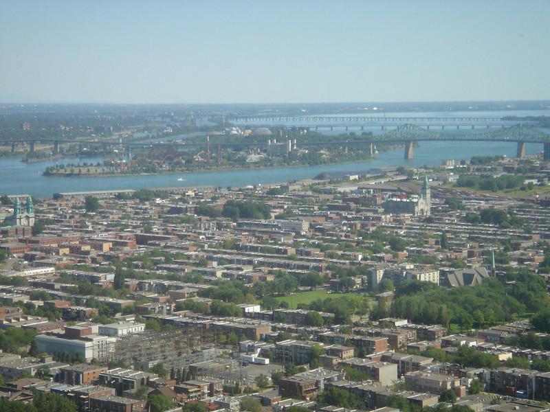 Eiland Ile St.Helene en daarachter Ile Notre Dame