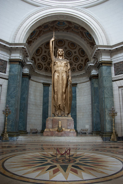 30 meter hoog standbeeld in Capitool