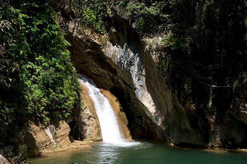 Tocht naar waterval