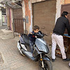 Brommer rijden moet je jong leren