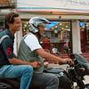 Leuke verkeersregel: bestuurder moet helm op, passagiers niet