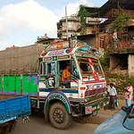 Onderweg naar Chitwan: typische (indiase?) vrachtwagens