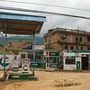 Typische benzinepomp in Nepal