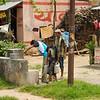 Vaak heeft een dorpje een of twee publieke kranen, niet in de huisjes