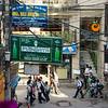 Genieten van een cocktail en het dagelijkse leven op straat