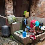 Durbar Square in Bhaktapur; er zijn nauwelijks wasmachines in Nepal