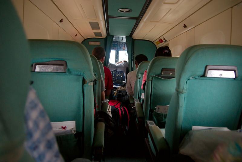 Met een 20-persoons vliegtuig naar de bergen