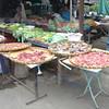 Vlees en vis open en bloot op straat