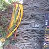 Door Burma kapot gemaakte tempel; boeddha hoofd in de wortels van een boom