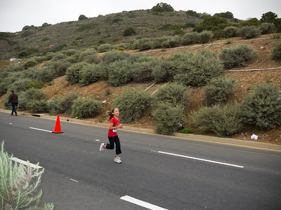 Sophia is way ahead of her family on the 5K (Photo by Valerie Iwasaki)