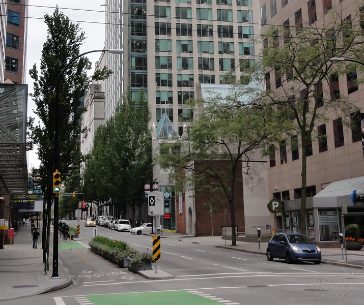 Exemplary bike lanes in downtown Vancouver.