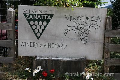 Vinoteca Sign