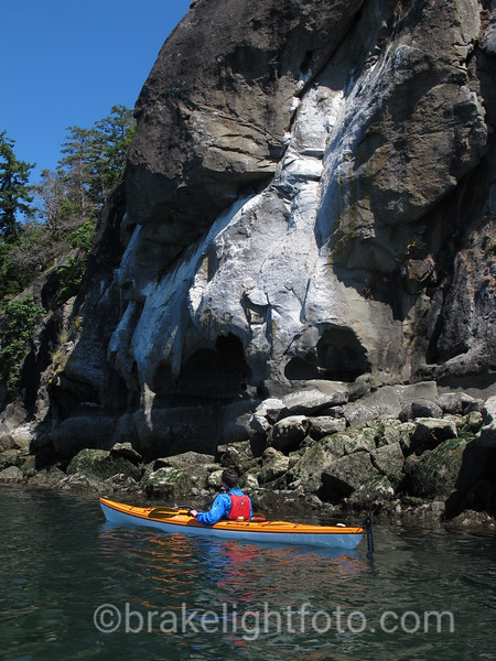 Sea Kayaking along the Elliot Bluffs