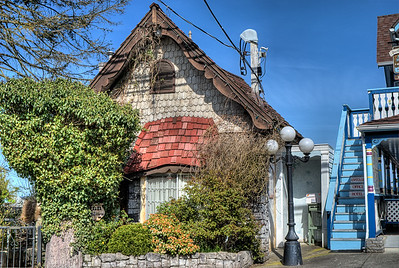 "Little Inn On Willow - Chemainus BC Canada Visit our blog ""Little Inn On Willow"" for the story behind the photos."