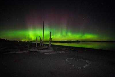 Island View Auroras- Peak of the Storm