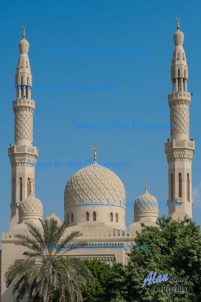 Jumeira Mosque, Dubai, UAE.