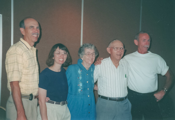 Charles and Neoma's Family, Amana IA (2 July 2000)