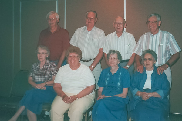 Jacob and Grace Wonderlich Family, Amana IA (2 July 2000)