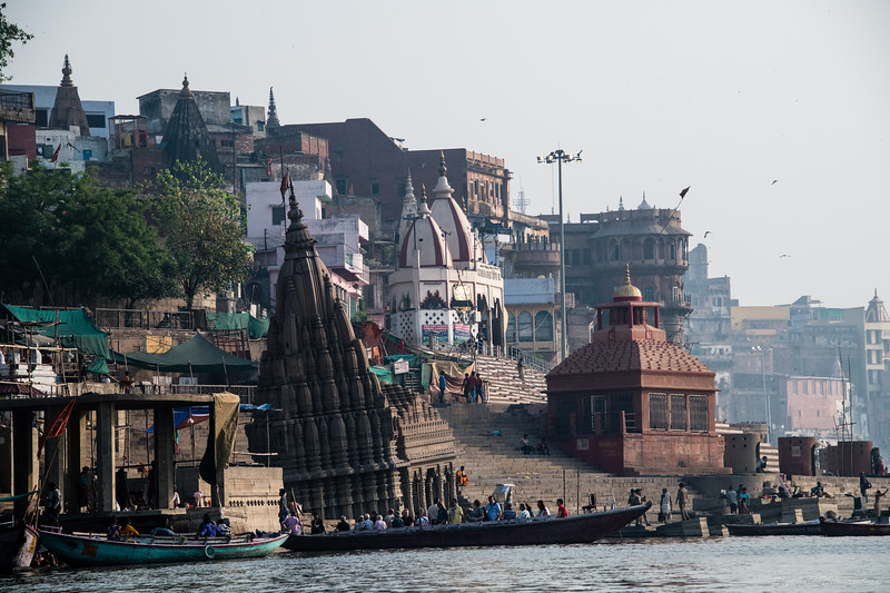 The sinking temple of Varanasi