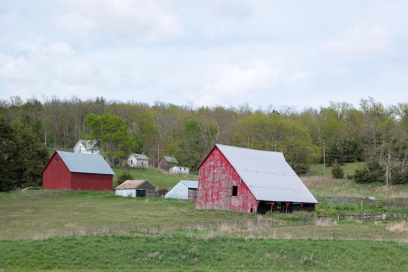 NW Missouri Barn I-29