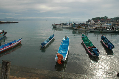 Kupang - boats near fish auction place