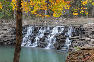 Lee Creek Dam, Devils Den State Park