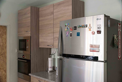 Microwave and oven built-in