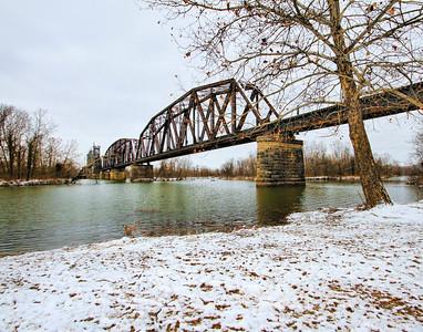 RR bridge over Arkansasas River, Winter