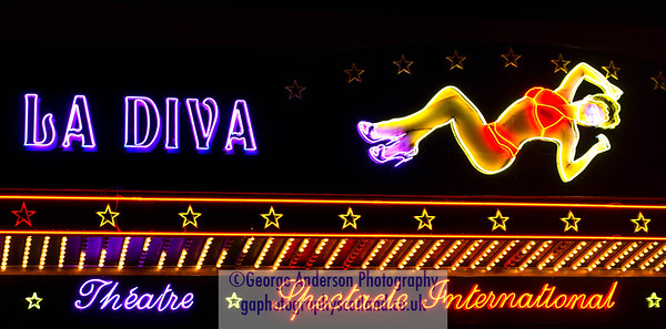 Neon Diva Nightclub  Show bar Paris France
