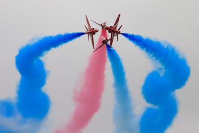 Red Arrows aerobatic idisplay