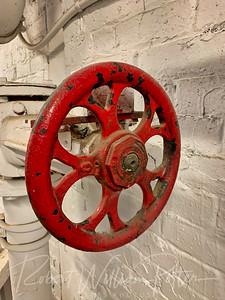8267-Red valve