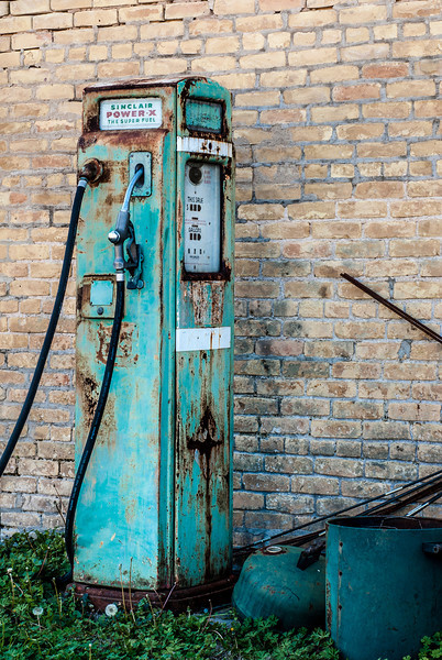 Rusty Sinclair Pump