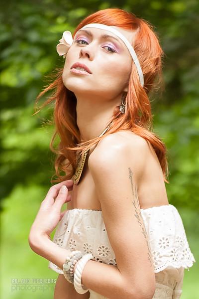 Model: Laura Theys Styling: Caroline Moermans MUA: Kelly ( Mua Red Key)