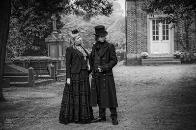 Model: Sir Edgar T. Finchley & Lady Livia