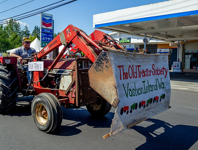 The Grand Parade Vashon Island Strawberry Festival 2018