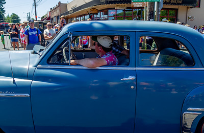 the Tom Stewart Classic Car Parade 2018