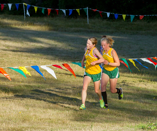 Girls Race Set one: Cross Country Nisqually Meet on Vashon Island 2017 10/03/2017