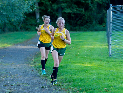 Girls Race Set two: Cross Country Nisqually Meet on Vashon Island 2017 10/03/2017
