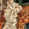 Escultura na Basílica de São Pedro