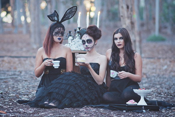 Vee Creative Haus, Creepy Tea Party (2015)