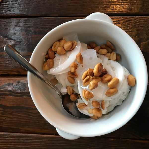 Coconut Ice Cream with Peanuts - Kati Thai