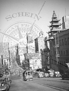 California St Cable Car- View east from Stockton St.