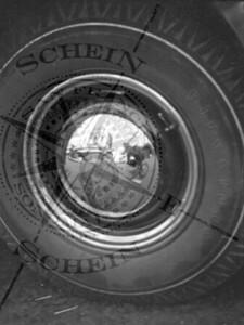 Hubcap Still - Firestone tire