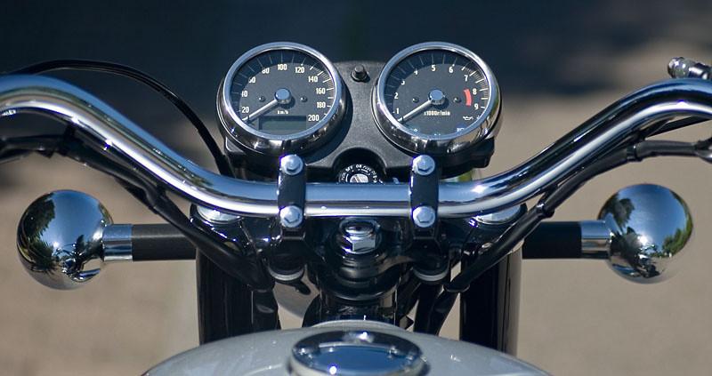Kawasaki W650  front