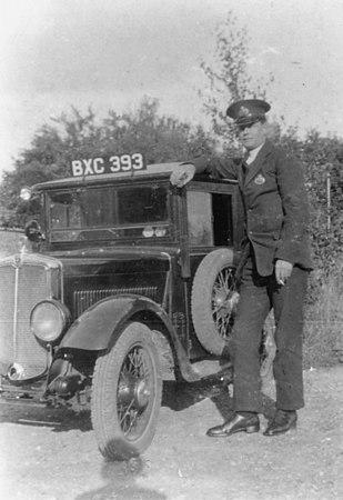 <font size=3><u> - Postman & Car - </u></font> (BS0097)  Mr Dancer.